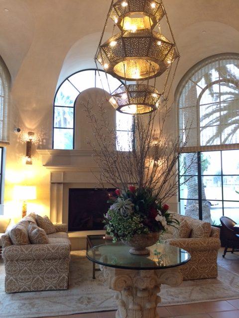 Santa Barbara Inn Lobby